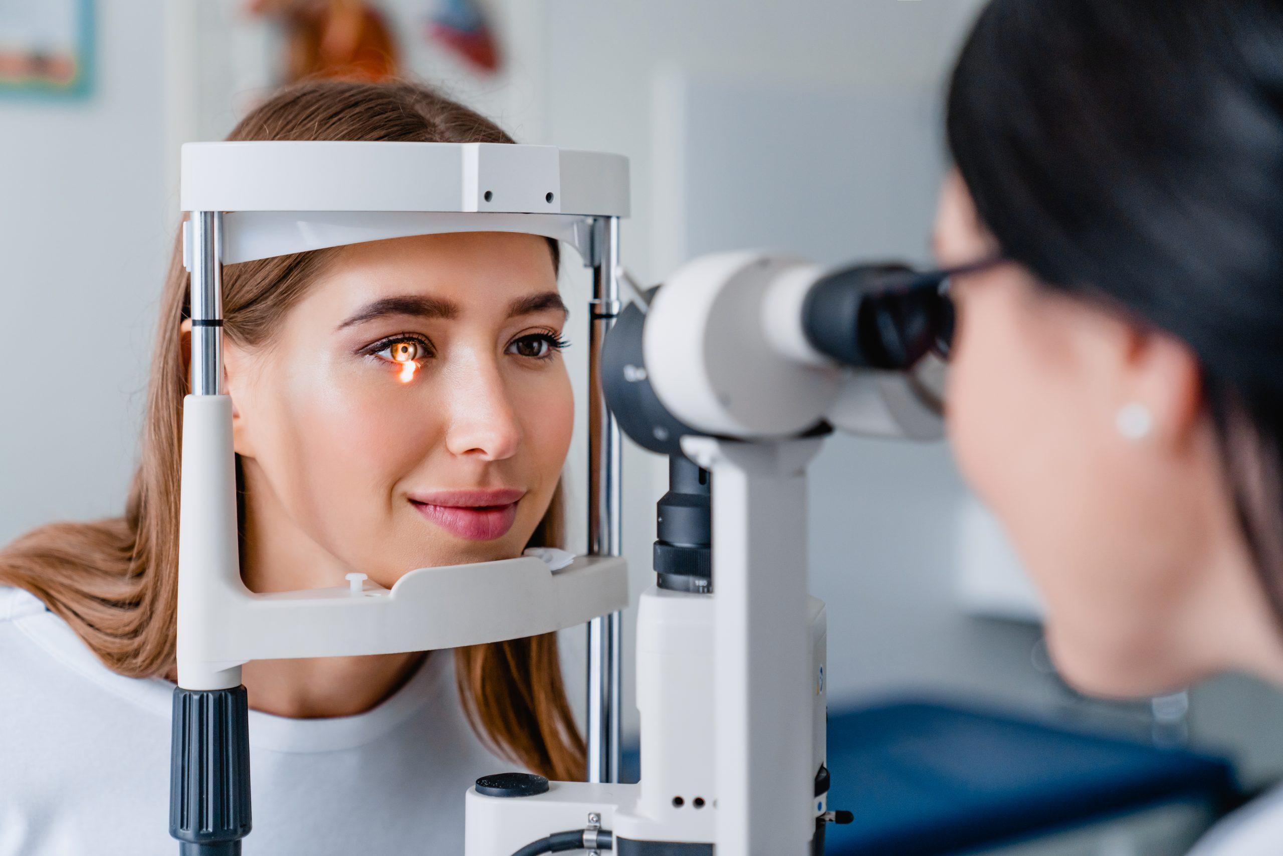 Què és un centre d'òptica i optometria